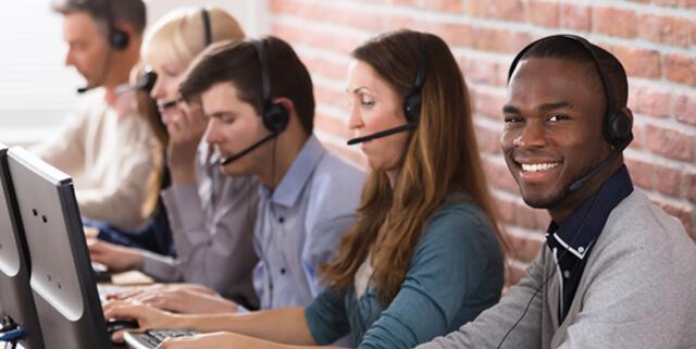 Nuestro equipo de atención al cliente está aquí para ayudarlo por teléfono o email.